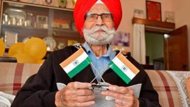 Photo of पूर्व हॉकी के दिग्गज बलबीर सिंह सीनियर का 95 वर्ष की आयु में निधन, कोहली ने ट्वीट कर दी श्रद्धांजलि