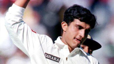 Photo of जब सौरव गांगुली के 'पंच' ने पाकिस्तान के 'जबड़े' से निकाली थी जीत