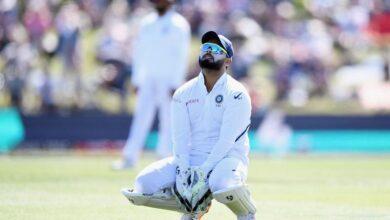 Photo of टेस्ट क्रिकेट में  कैच टपकाने के मामले में ऋषभ पंत का नाम टॉप पर, डालें इन आंकड़ों पर एक नज़र..